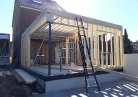 Aanbouw bijgebouw in houtskeletbouw