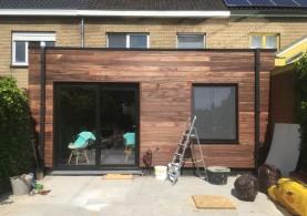 Een aanbouw in houtskeletbouw