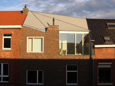 Extra verdieping bijgebouw in houtskeletbouw in Gent