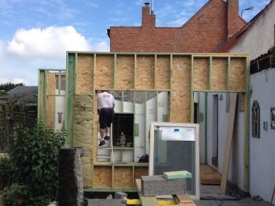 Kangoeroewoning / bijgebouw in houtskeletbouw in Assenede