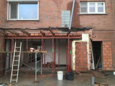 Renovatie en aanbouw bijgebouw in houtskeletbouw in Mariakerke